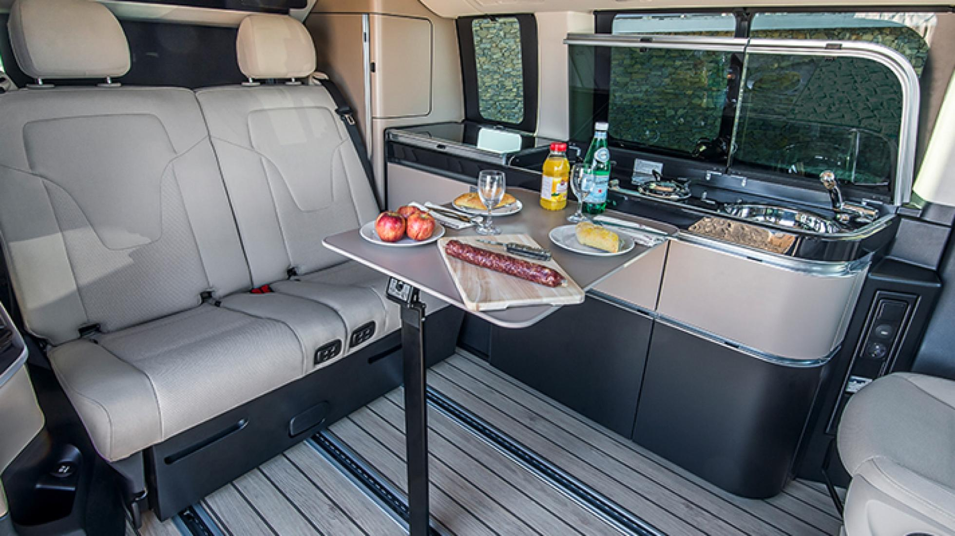 Mercedes Benz Campervan (14)