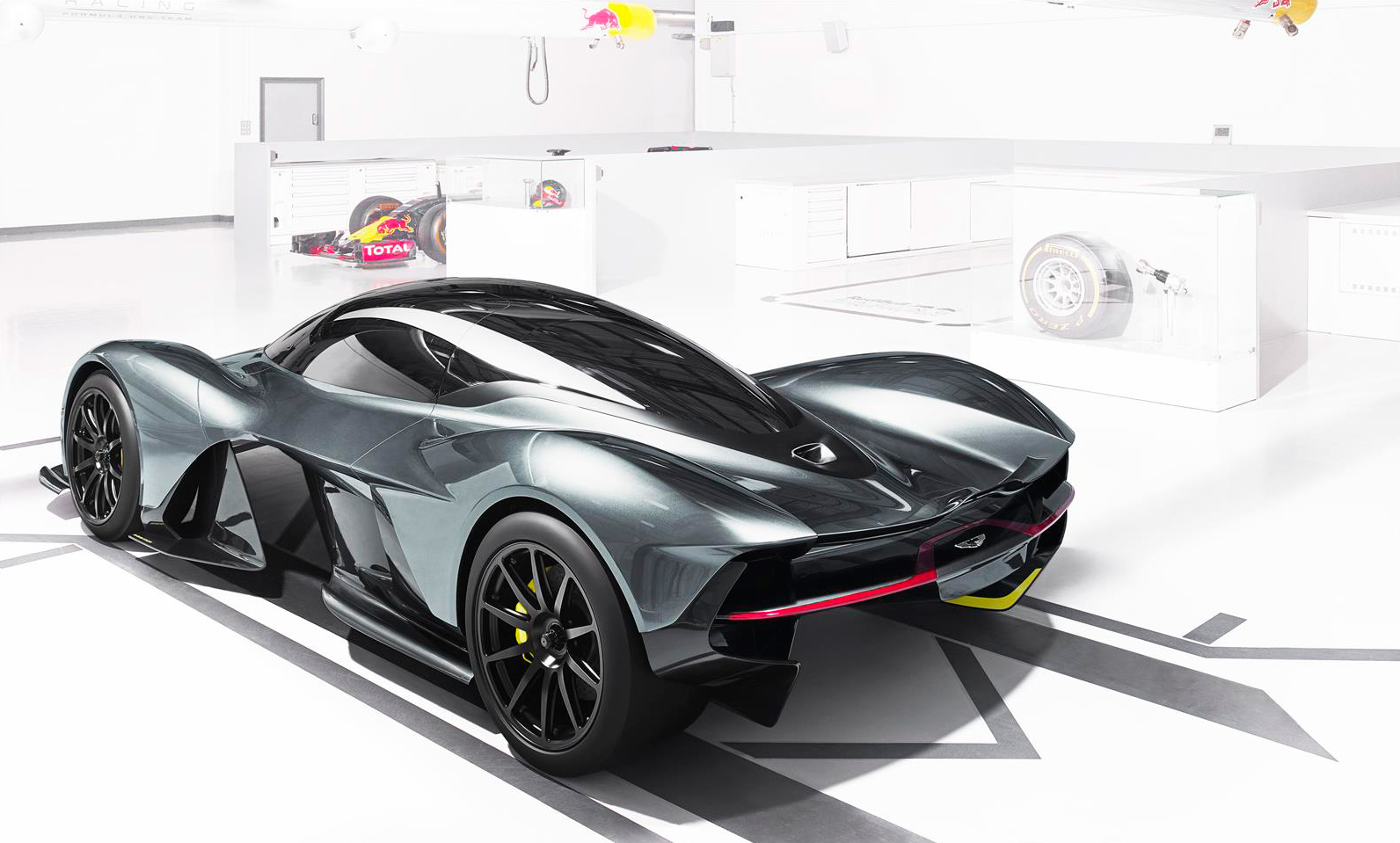 aston martin hypercar AM-RB 001